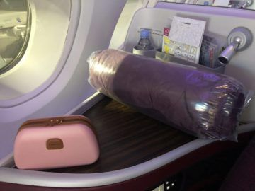 qatar airways business class a380 decke amenity kit