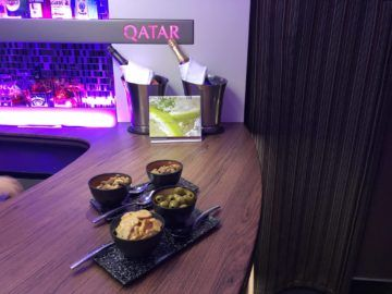 qatar airways business class a380 snacks