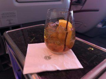 qatar airways business class boeing 777 200lr whisky