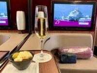 qatar airways first class a380 champagner