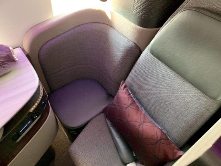 qatar airways qsuite boeing 777 300er sitz 1