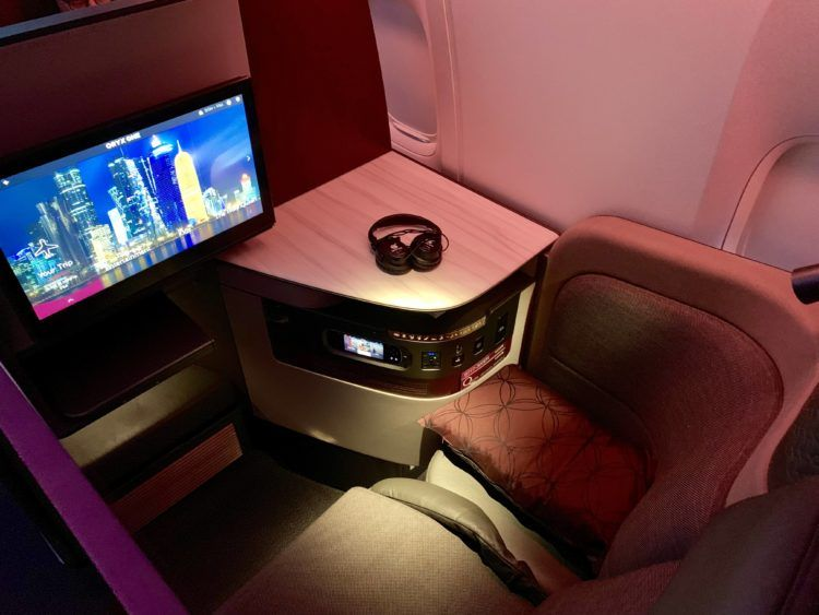 qatar airways qsuite boeing 777 300er sitz 4