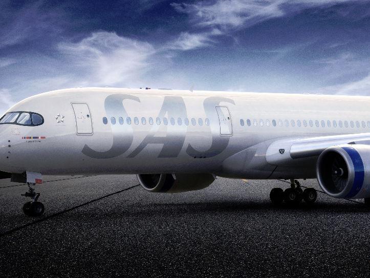 Silberner SAS Schriftzug auf Airbus A350