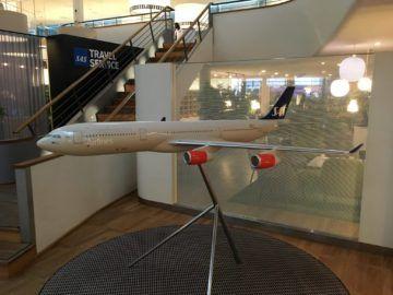 sas gold lounge kopenhagen modelflugzeug