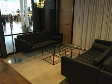 sas gold lounge kopenhagen sofa