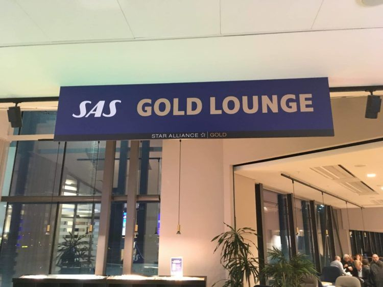 sas gold lounge stockholm eingangsbereichlogo