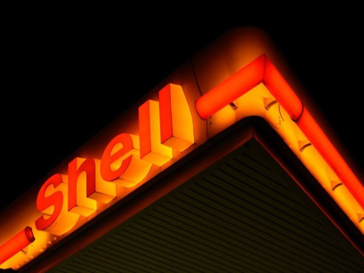 shell tankstelle unsplash