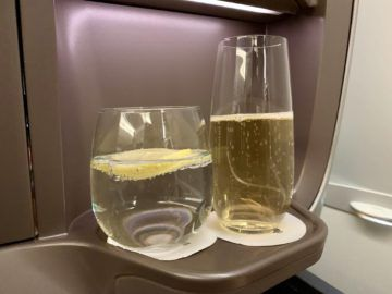 singapore airlines business class a350 900ulr champagner