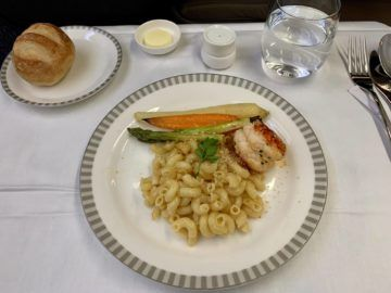 singapore airlines business class a350 900ulr essen lobster 1