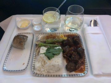 singapore airlines business class a380 800 neu beef hauptspeise