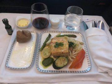 singapore airlines business class a380 800 neu fisch hauptspeise
