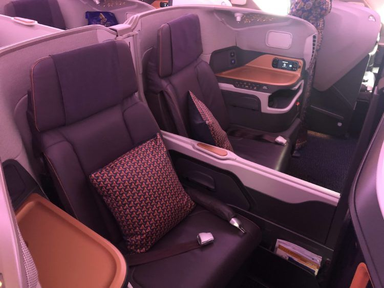 singapore airlines business class a380 800 neu sitz mitte