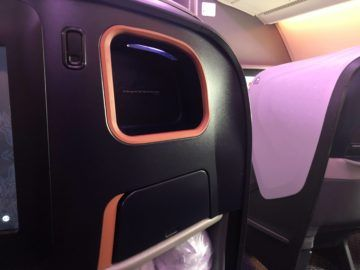 singapore airlines business class neu a380 800 ablagefach