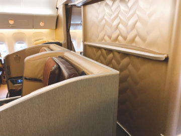 Review: Singapore Airlines First Class Boeing 777-300ER HKG ...