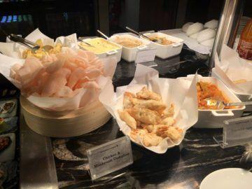 singapore airlines silverkris lounge brisbane chicken dumplings
