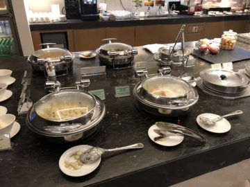 singapore airlines silverkris lounge hong kong buffett