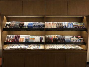 singapore airlines silverkris lounge hong kong zeitschriften