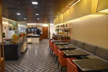 singapore airlines silverkris lounge london heathrow essbereich und buffet