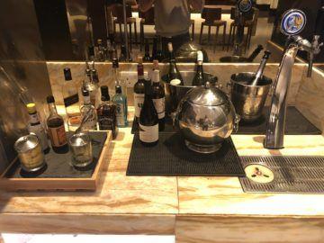 singapore airlines silverkris lounge terminal 2 hochprozentiger alkohol