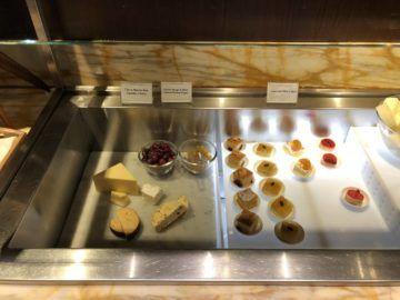 singapore airlines silverkris lounge terminal 3 kuchen kaese