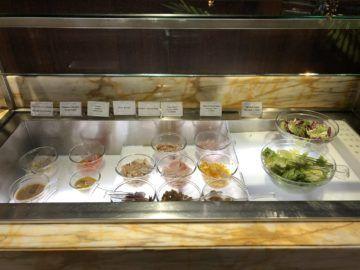 singapore airlines silverkris lounge terminal 3 salatbar