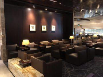 singapore airlines silverkris lounge terminal 3 sitzmoeglichkeiten