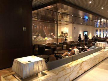 singapore airlines silverkris lounge terminal 3 sitzmoeglichkeiten2