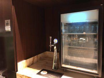 singapore airlines silverkris lounge terminal 3 tiger beer