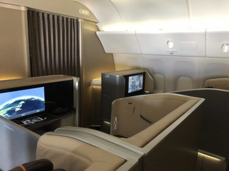 singapore airlines first class 777 kabine