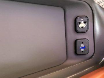 singapore airlines neue business class a380 headphone anschluss 1