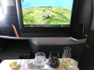 singapore airlines neue business class a380 start mittagessen