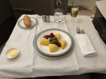 singapore airlines neue first class a380 fruechte