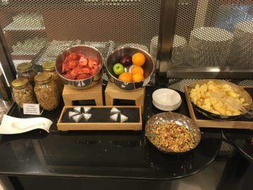 singapore krisflyer gold lounge terminal3 snacksobst