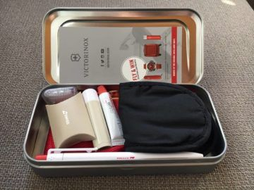 swiss business class 777 300er amenity kit 3