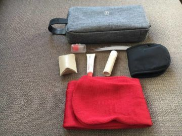 swiss business class 777 300er amenity kit 7 e1553291624597