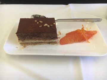 swiss business class 777 300er essen dessert 1