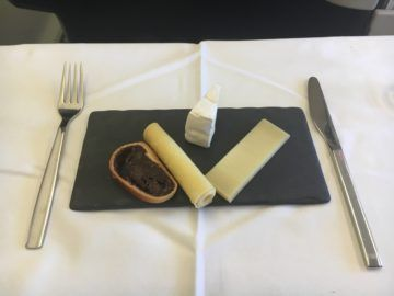 swiss business class 777 300er essen kaeseplatte 1