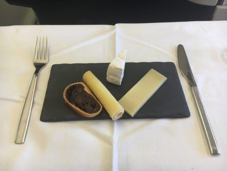 swiss business class 777 300er essen kaeseplatte 1