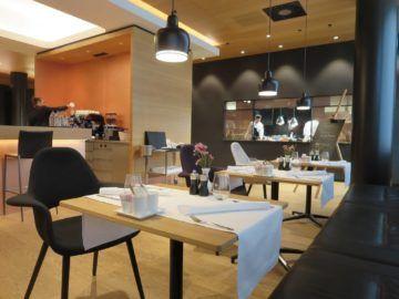 swiss first class lounge zuerich a restaurant 2