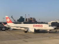 swiss flugzeug london city airport