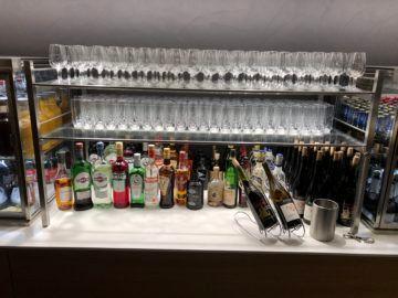swiss senator lounge zurich a gates hochprozentiger alkohol
