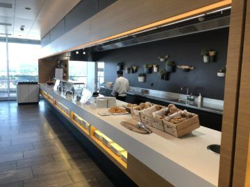 swiss senator lounge zuerich airport gates e live cooking