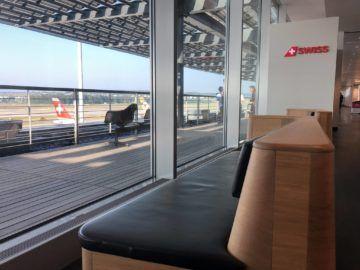 swiss senator lounge zuerich airport gates e sitz mit ausblick