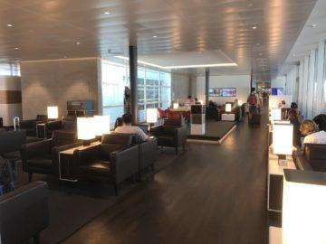 swiss senator lounge zuerich airport gates e sitzbereich