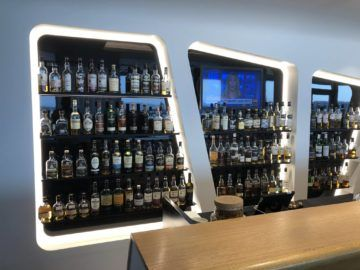 swiss senator lounge zuerich airport gates e whiskyauswahl