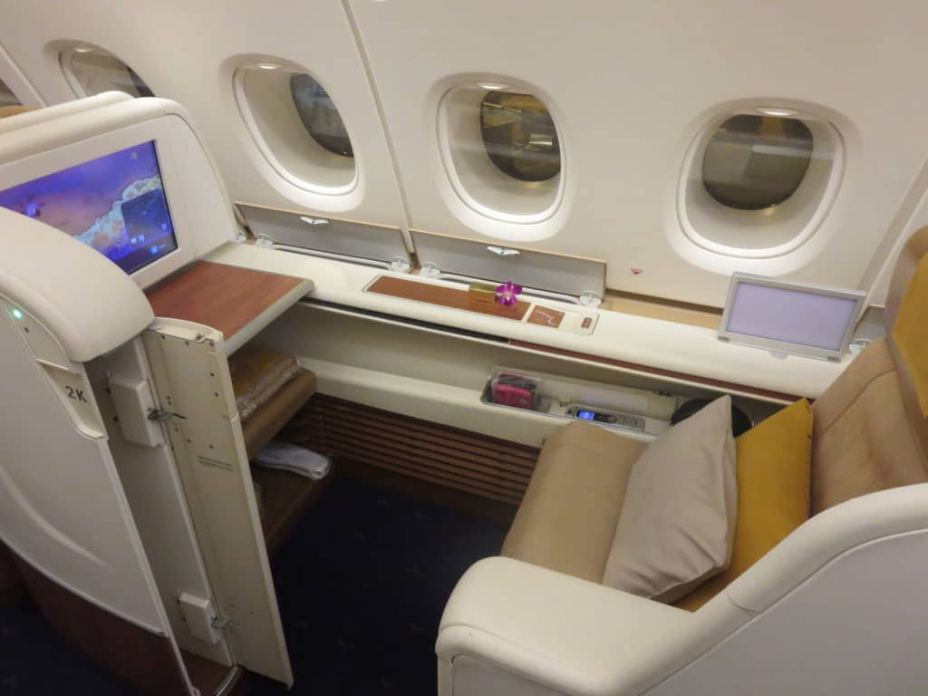 thai airways first class a380 sitz 1