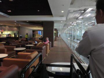 thai airways first class lounge bangkok buggy 4