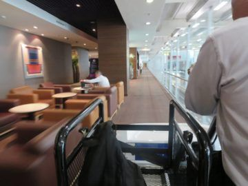thai airways first class lounge bangkok buggy 6