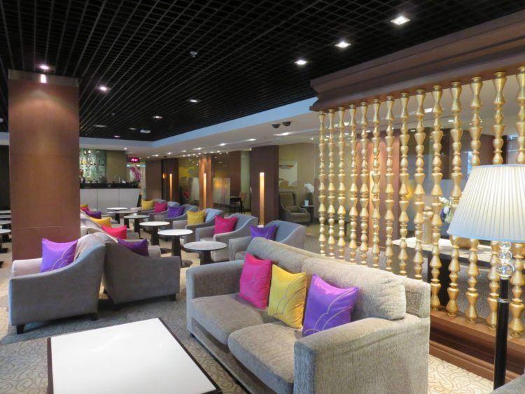 thai airways first class lounge bangkok sitzgelegenheiten 4