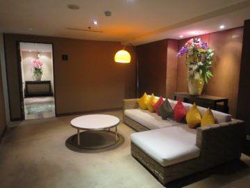 thai airways first class lounge bangkok wc 5